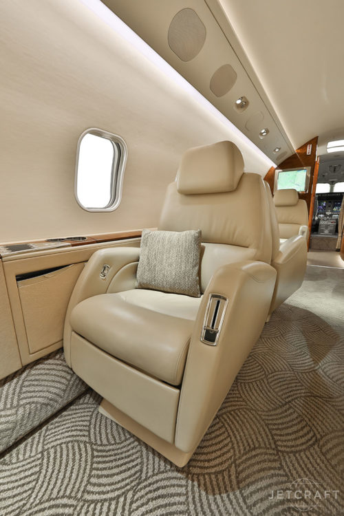 2005 Bombardier Challenger 300 S/N 20030
